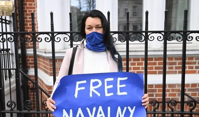 Artsen Navalni willen dat hij meteen stopt met hongerstaking