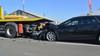 Auto botst op bergingsvoertuig in Lijnden, bestuurder gewond