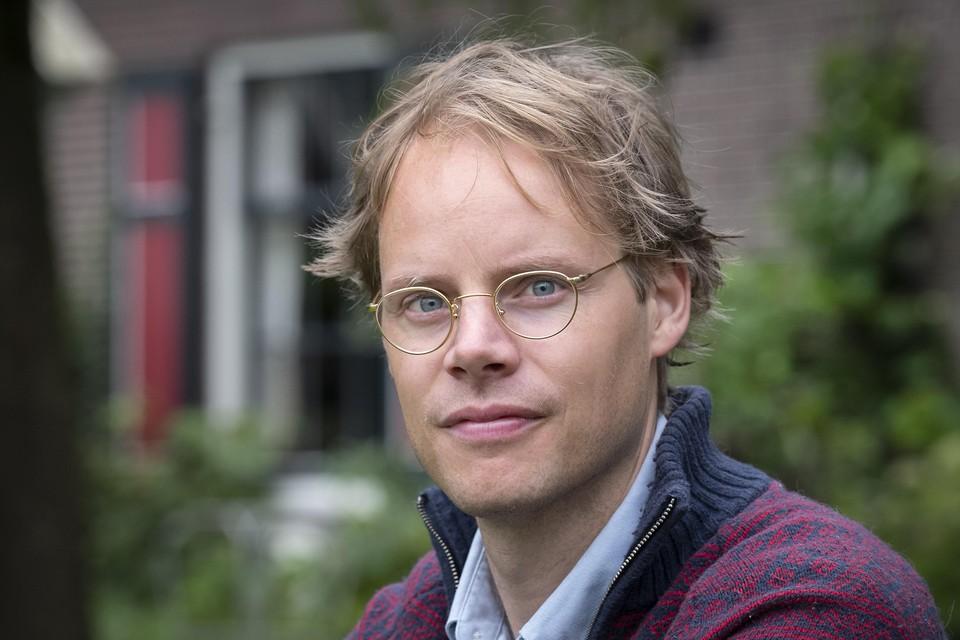 Schrijver Merijn de Boer komt met nieuw Haarlems boek De Saamhorigheidsgroep.