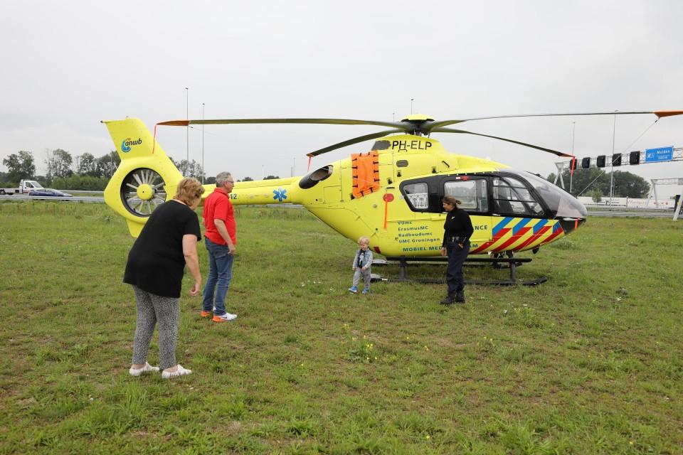 De traumahelikopter trok wel wat bekijks.