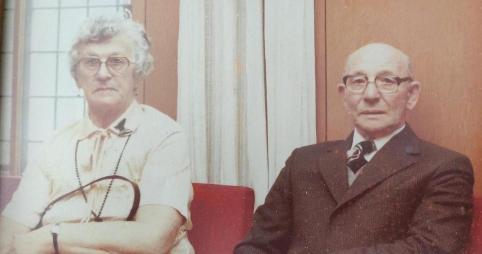 Moeder en vader Brode, een Nederlands-Duits echtpaar.