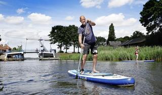 Omwonenden van de in het slop geraakte Aanloophaven in Huizen zijn dolgelukkig nu er een watersport-ondernemer is neergestreken: 'Dit is nog maar het begin, hoop ik'