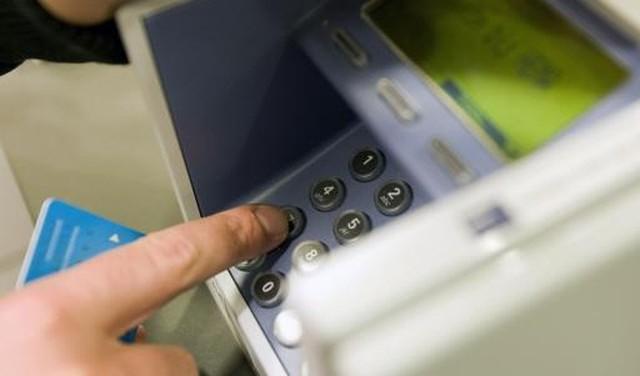 Politie waarschuwt voor telefonische bankhelpdeskfraude; Laatste tijd diverse meldingen, onder meer uit Soest en Baarn