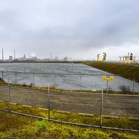 'Akkoord Averijhaven dichtbij'; onderhandelingen over metamorfose voormalig baggerdepot bij IJmuidense sluizen gaan schijnbaar de goede kant op