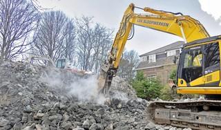 Hij is van metersdik beton, de bunker naast het voormalige Missiehuis in Driehuis. Hij wordt met de grond gelijk gemaakt [video]