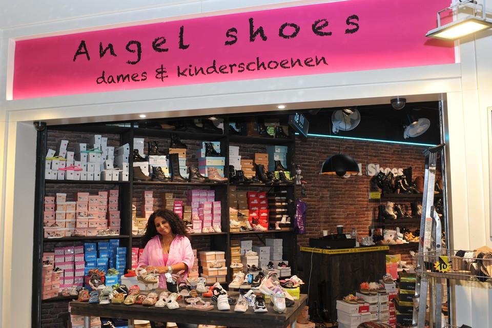 Rachel Maul in haar dames- en kinderschoenenwinkel Angel Shoes.