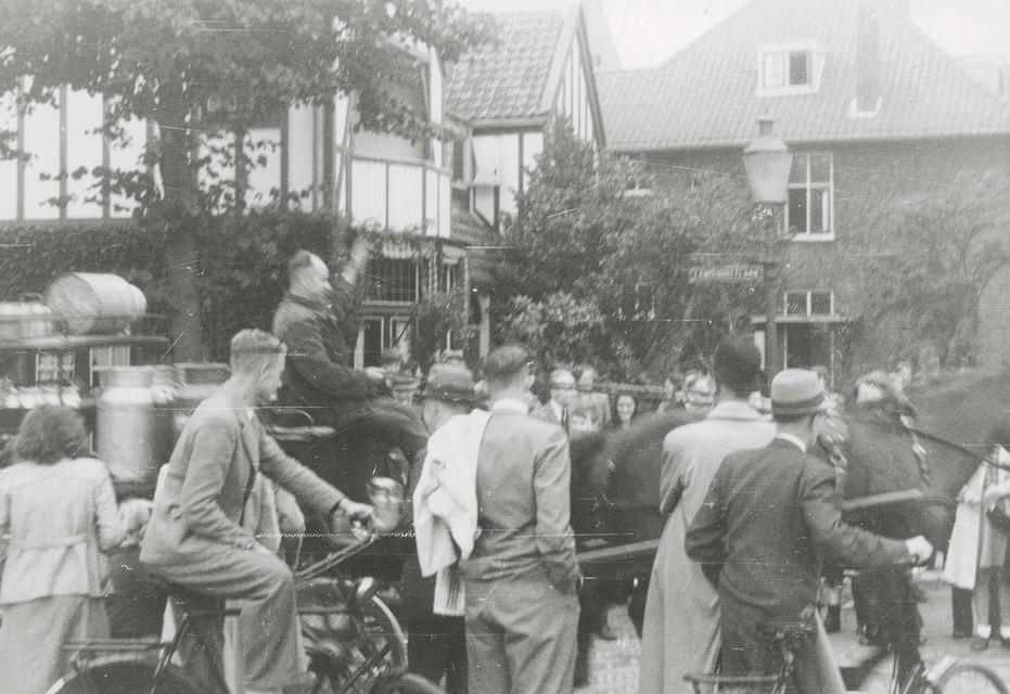 Dolle Dinsdag: Mensen gingen in Heemstede de straat op.