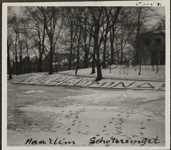 Wilhelmina in de sneeuw.