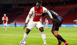 Spits Traoré maakt rentree bij Jong Ajax [video]