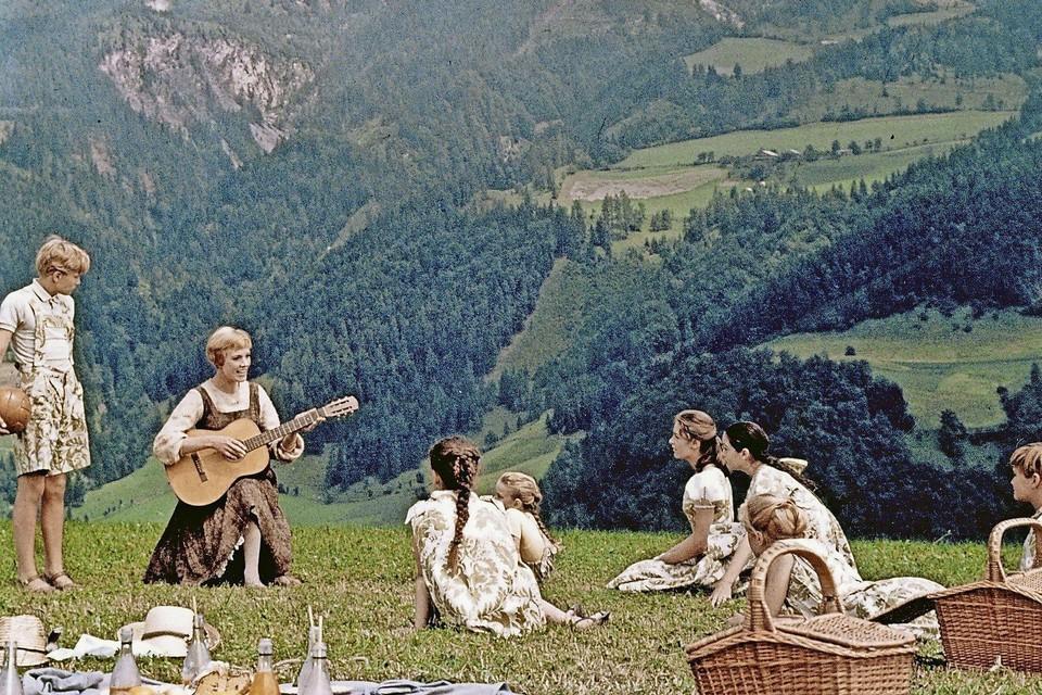 Julie Andrews in de legendarische Alpenscene van 'The Sound of Music'.