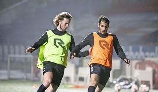 Spelers Jong Telstar blij om na maanden van circuittraining weer het duel aan te gaan: 'Dit is bizar lekker'