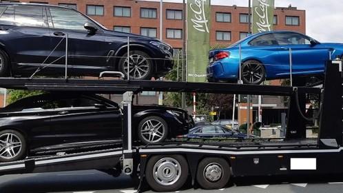 Trouwstoet aan de kant gezet in Hoofddorp: overlast door rookfakkels en auto's in beslag genomen