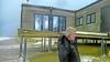 Veel storm- en waterschade voor eigenaren strandhuisjes: 'Dit is toch niet te bevatten?', zegt Marcel Rinsma van het deels weggevaagde paviljoen Bad Noord in Castricum
