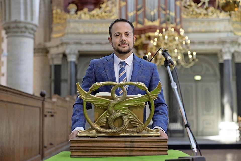 Mounir Samuel in de Grote Kerk in Haarlem, waar hij 1 september de Willem Arondéuslezing uitspreekt.