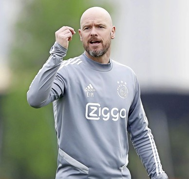 Ajax-trainer Erik ten Hag tevreden over trainingskamp in Doha: 'De totale spirit is goed'