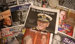 Elizabeth voelt 'enorme leegte' na dood echtgenoot Philip