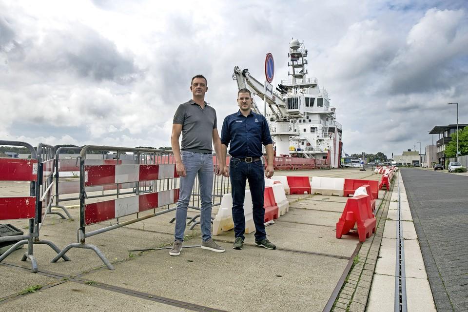 Pandeigenaar Henk Timmer en huurder Matthijs Buschman van daktoebehoren-specialist Anjo.
