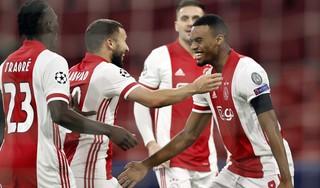 Ryan Gravenberch zet vlak na rust de toon voor overtuigende zege Ajax op Midtjylland en Europese overwintering [video]