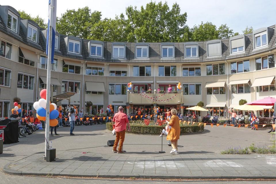 Optreden Paul de Leeuw en Simone Kleinsma bij De Torenhof.