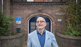 Directeur Arnold van der Peet vertrekt na 43 jaar bij Haarlemse Liduinaschool: over een verdwenen stencilmachine, De Luizenmoeder en appgroepjes