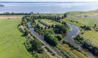 Wandelen langs fort Ronduit in Naarden, over de dijk naar Speelpark Oud Valkeveen | etappe 4 in de serie Terug naar de Kust