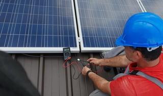 Wat ze ook zeggen, verduurzamen van je huis loont wél, zegt energie-econoom Huibrecht Bos