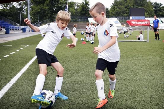 Jonge talentjes aan de bal bij Telstar