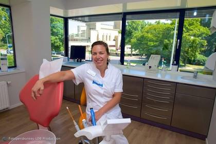 Niet alleen de tanden moeten schoon zijn bij de tandarts