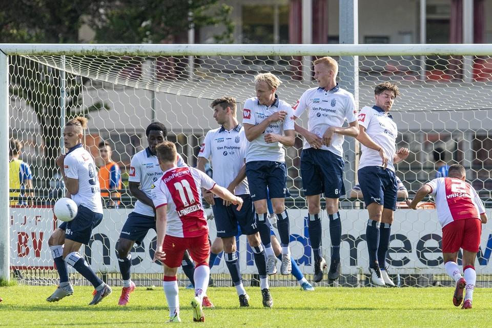Pieter Langedijk verzuimde IJsselmeervogels in het duel bij Koninklijke HFC voor rust op een ruimere voorsprong te zetten.
