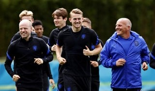 De Ligt begint aan laatste training van Oranje voor start EK