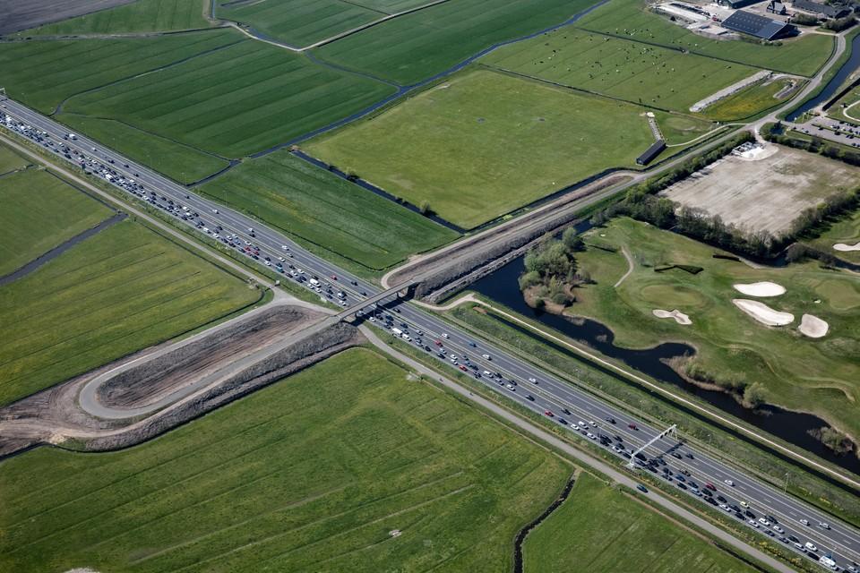 De plek waar de afslag Heiloo van de A9 is geprojecteerd.