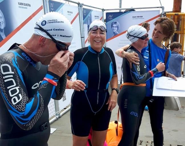 Meezwemmers 'trots op Maarten en stiekem een beetje op onszelf' [video]