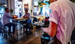 'Onbegrijpelijk': Coronatijd en toch lagere ventilatienorm in de horeca. 'Als we nu geen lessen trekken, zijn we ontzettend dom'