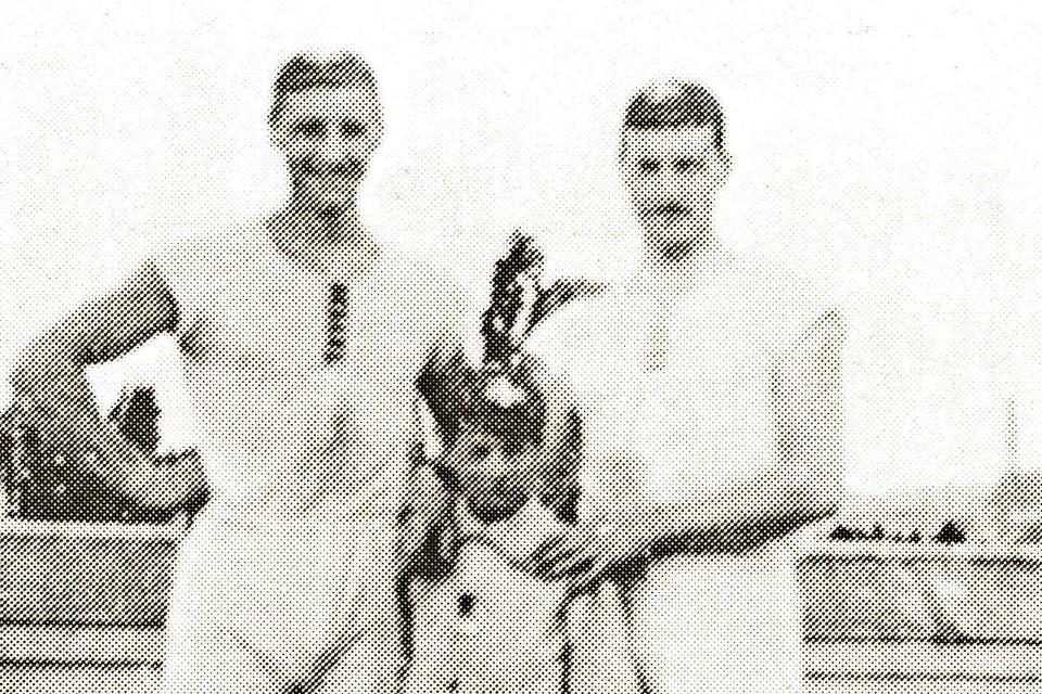 François Brandt en Roelof Klein met hun Franse stuurmannetje.