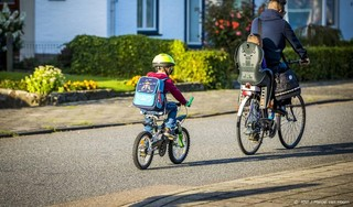 Veilig Verkeer Nederland: breng kinderen met de fiets naar school