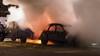 Auto gaat in vlammen op in IJmuiden, ook twee antieke lelijke eendjes hebben schade