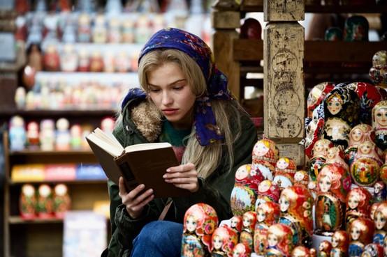 Filmrecensie:Helen Mirren speelt Sasha Luss van het doek in 'Anna'