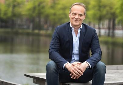 Haarlemmer Edwin van Balken nieuwe directeur Stadsschouwburg & Philharmonie; opvolger Jaap Lampe heeft Mahler en Radiohead op de oortjes