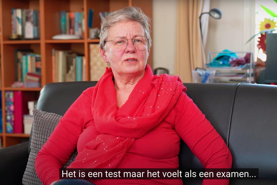 Suze in 't Veld werkte mee aan de video 'Rijden met dementie'.