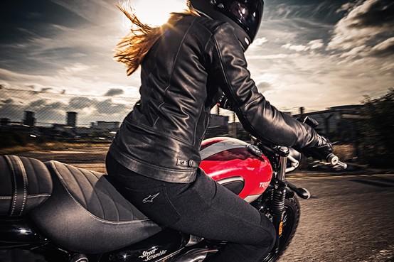 Motorkleding gaat ook met de mode mee