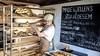 Zuurdesembroden bakken in de garage: 'Van niets iets maken is magisch'