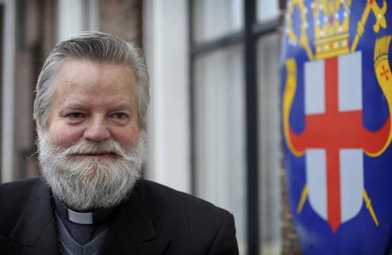 Bisschop Punt wil dat homopastoor zijn functie onmiddelijk neerlegt