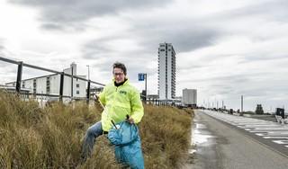 Patrick Berg riep Zandvoorters op om dorp te helpen verlossen van zwerfafval. 'Zoveel respons had ik niet verwacht'