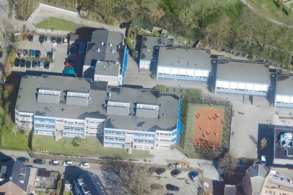 Het Alberdingk Thijmcollege aan het Laapersveld. In 2022 moet de school zijn uitgebreid en de gymzalen zijn vervangen.