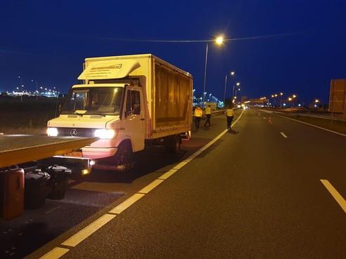 Man in gestolen vrachtwagen na achtervolging aangehouden in Nieuw-Vennep