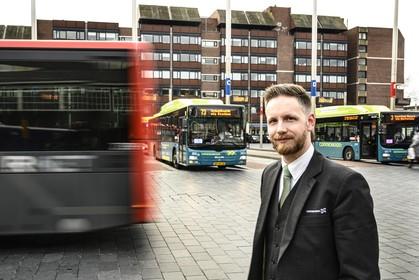 Connexxion-buschauffeur Bart twittert erop los: 'Niet alle buschauffeurs zijn chagrijnige brompotten'