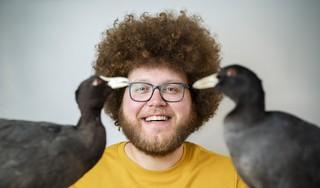 Waarom bouwt een meerkoet zijn nest met plastic? Doe mee met het onderzoek van bioloog Auke-Florian Hiemstra