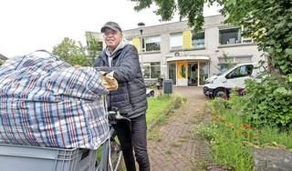 Dit zijn de nieuwe bewoners van het Anton Pieckhofje in Haarlem: 'Nu eerst een omelet bakken'