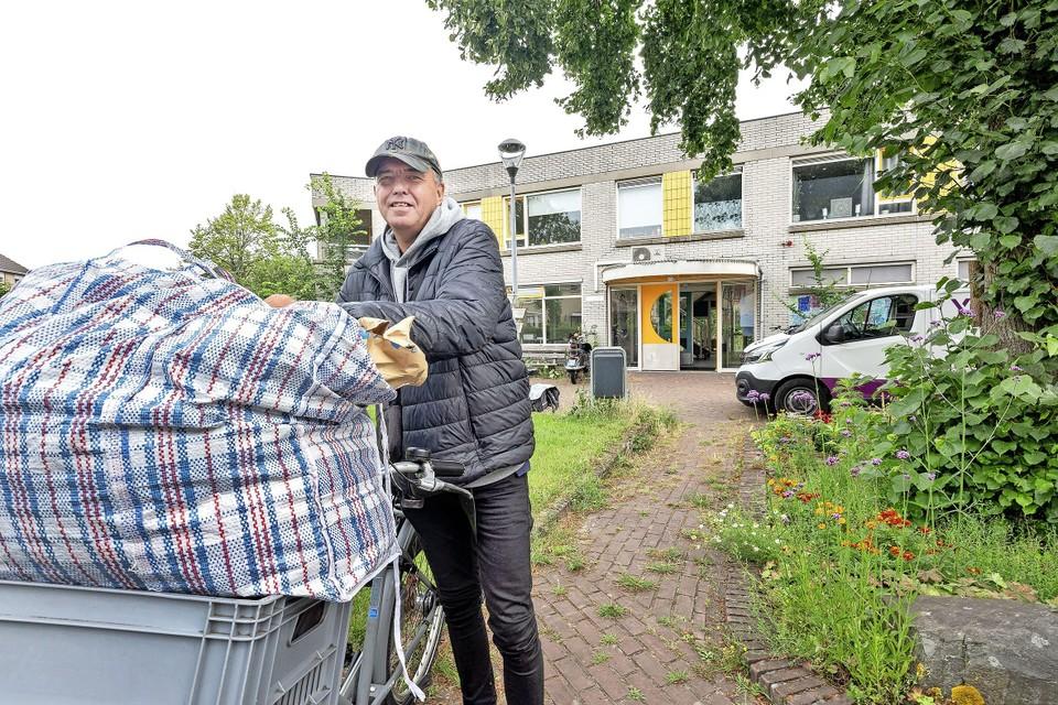 De economisch dakloze Rob is een van de nieuwe bewoners van het Anton Pieckhofje.