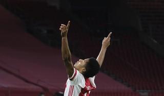 Ajax blijft op drie fronten strijden na zege op Lille